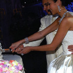 Ян и Алсу режут торт на свадьбе