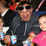 Николай со своими детьми Настей и Иваном