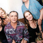 Оля и Таня с родителями