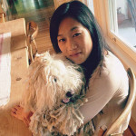 Присцилла Чан с собакой