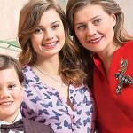 Мария Голубкина с дочкой Настей и сыном Иваном