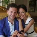 С женой Аленой Крюковой
