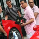 Ян Абрамов выбирает автомобиль