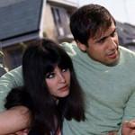 Адриано всегда обнимает жену