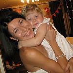 Альбина Наумов с дочкой