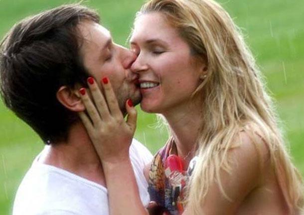 Поцелуй с любимой женщиной