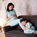 Беременная Настя с сыном
