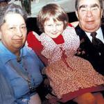Чета Брежневых с правнучкой