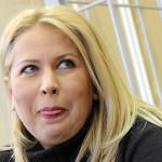 Жена Сердюкова в зале суда