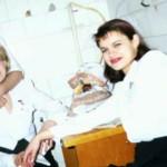 Ирина во время работы официанткой в Челябинске