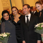 С Дмитрием Медведевым и своими воспитанницами-чемпионками