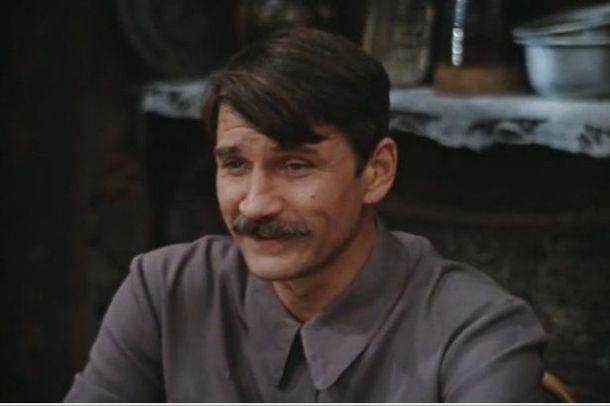 Кадр из фильма Еще до войны