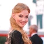 Красивая и талантливая блондинка