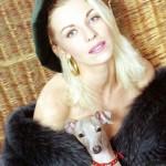 Наталья Ветлицкая с собачкой