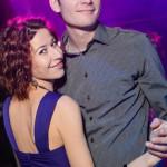 Николай танцует с женой