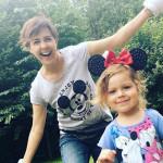 Ольга на природе с дочкой