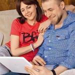 С мужем смотрит фильм