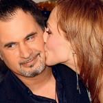 Альбина целует мужа