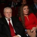 Политик с женой на мероприятии
