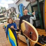 Со старшей дочкой на занятиях серфингом
