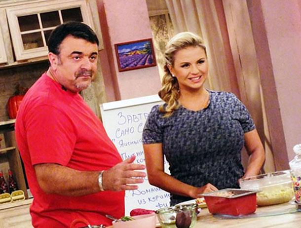"Семенович ведет кулинарное шоу ""Барышня и кулинар"""
