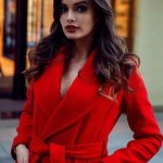 В красном пальто
