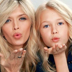 Воздушный поцелуй от Веры и ее дочки