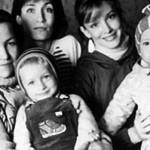 Анна Самохина с мамой, дочкой, сестрой и племянником (1989 г.)