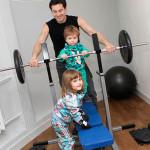 Антон с детьми дома