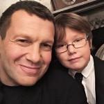 Журналист с сыном