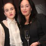Лариса с дочерью