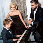 Полина с мужем и сыном встречает Новый год