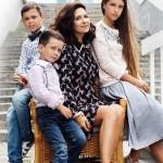 С сыновьями и дочкой