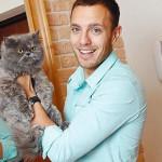Тимур со своим котом