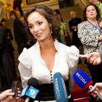 """Валерия дает интервью на кинофестивале """"Улыбнись Россия"""""""