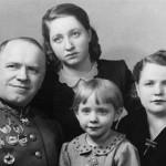 С Александрой Зуйковой и общими дочками