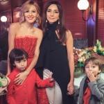 С певицей Зарой и детьми
