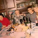 Александр в молодости с семьей