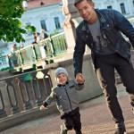 На прогулке с маленьким Петей