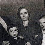 Маленький Валерий Харламов с семьей