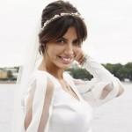 Алиса в свадебном платье