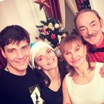 Лиза с мужем и родителями