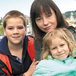 Евгения Добровольская с сыном и дочкой