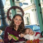 Боярская с сыном на детском празднике