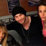Оксана с мужем и двоюродной сестрой