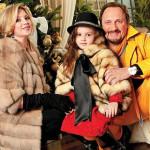 Стас и Инна с дочкой
