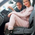 Анна и Виктор в своем автомобиле