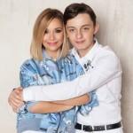 Артем Карманов с мамой