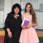 Мама и племянница певца