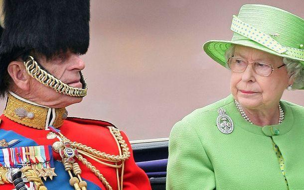 Герцог в наряде караульного